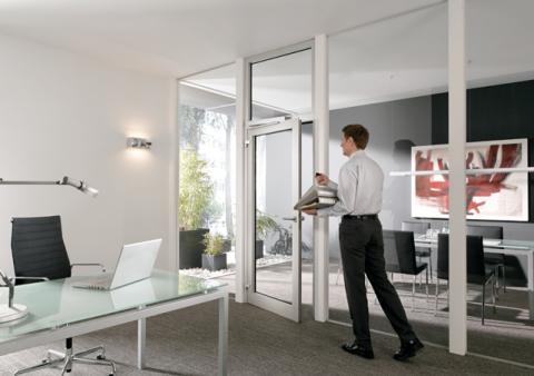 Автоматический привод распашных дверей DORMA Porteo для офиса